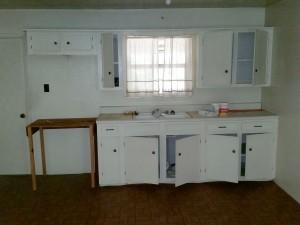 hunting-cabin 2 kitchen